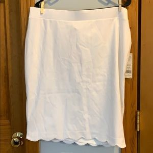 Elle white pencil skirt size large NWT